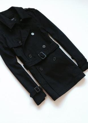 Демисезонная черная куртка тренч