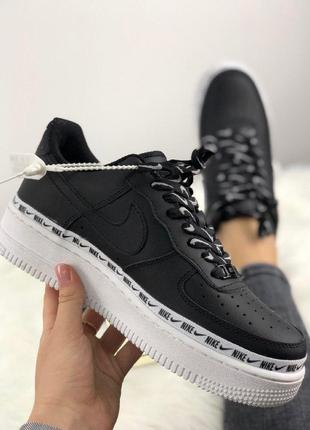 Шикарные кроссовки nike air force 1 '07 se premium black/white...