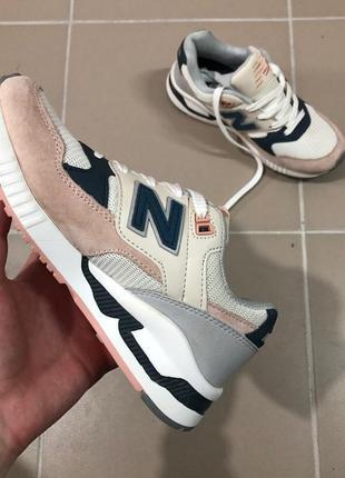 Крутые кроссовки new balance 530 женские