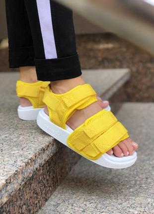 Шикарные женские сандали adidas sandals adilette желтые