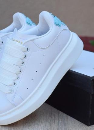 Шикарные женские кеды adidas х alexander mqueen белые с бирюзой