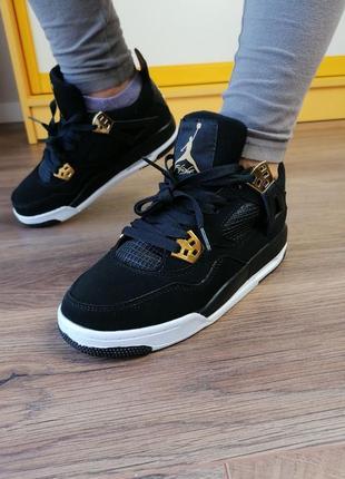 Шикарные женские кроссовки nike air jordan retro 4 чёрные
