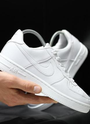 Шикарные мужские кроссовки nike air force 1 low white белые