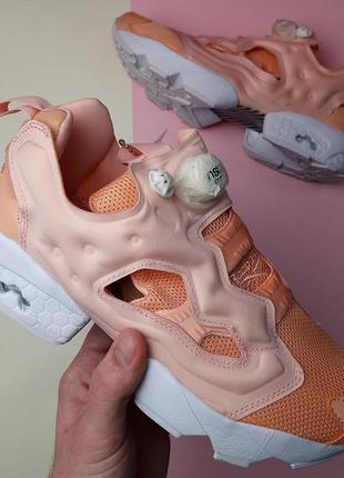 Шикарные женские кроссовки reebok insta pump peach