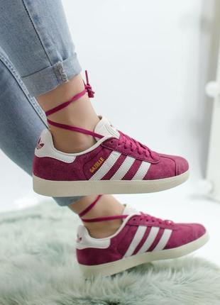 Шикарные женские кроссовки adidas gazelle crimson