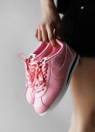Шикарные женские кроссовки nike cortez pink