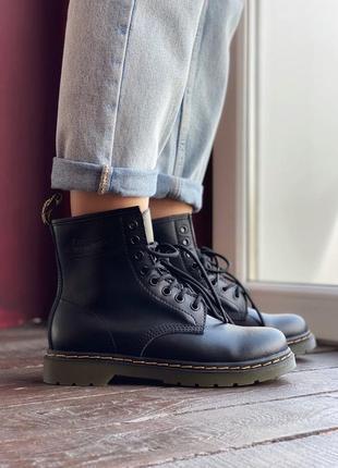 Шикарные женские  осенние ботинки dr. martens 1460 black
