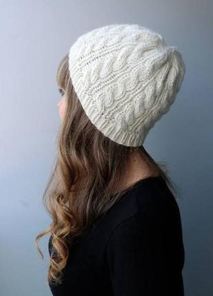 Шапка женская белая зима осень