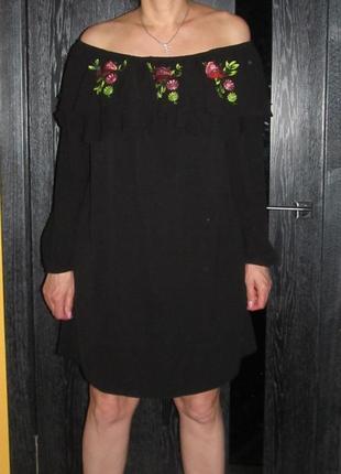 Короткое платье с  открытыми плечами  new look  р.16
