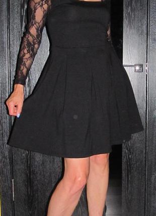 Черное  платье с кружевом от south р.12