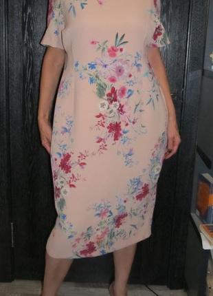 Красивенное платье с утяжкой m&s р.uk 20