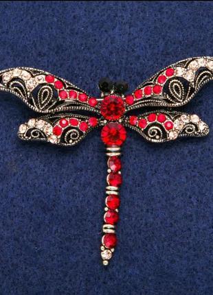 Брошь стрекоза с красными кристаллами