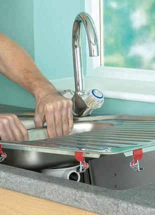 Установка мойки на кухне