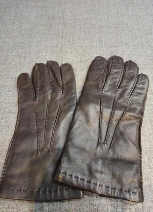 Кожаные перчатки на шерстяной подкладке
