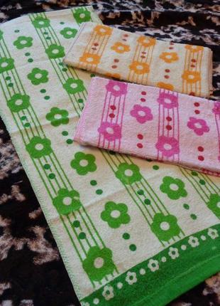 Махровые  полотенечка хорошего качества 70*32. набор 3 шт.