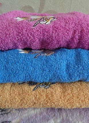 3 шт. шикарных полотенец. расцветки разные