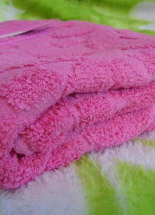 Качественные банные полотенца, разные  расцветки.