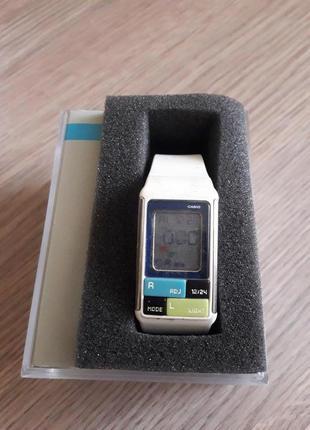 Женские часы  230 грн casio