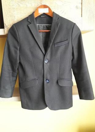 Школьная форма,костюм,брюки,пиджак р.146 см