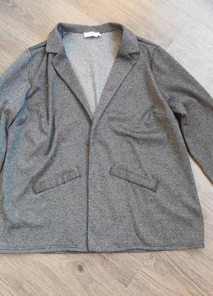 Пиджак,кофта 65 грн.
