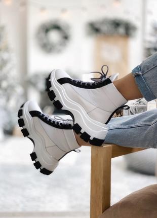 Prada Milano Sneakers Block White Black женские ботинки