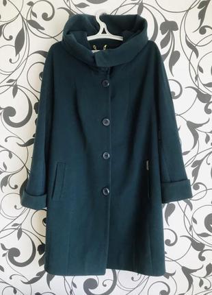 Пальто демисезонное кашемировое с капюшоном поясом цвет бутылк...