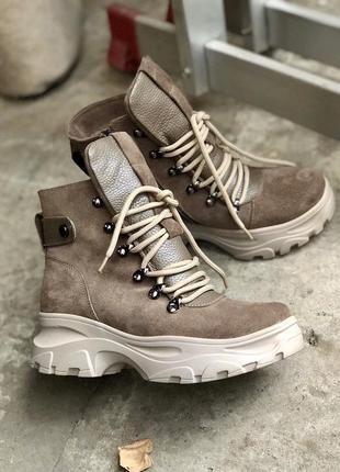 Крутые качественные кожаные женские ботинки