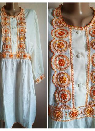 Платье-туника украшена вышивкой,размер 48-50