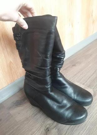 Зимние сапоги кожаные 41 р.300 грн.
