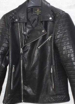 Мужская чёрная куртка косуха
