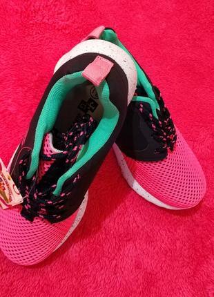 Удобная и качественная модель, кроссовки для девочек