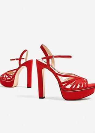Красные замшевые туфли босоножки на высоком каблуке с открытым...