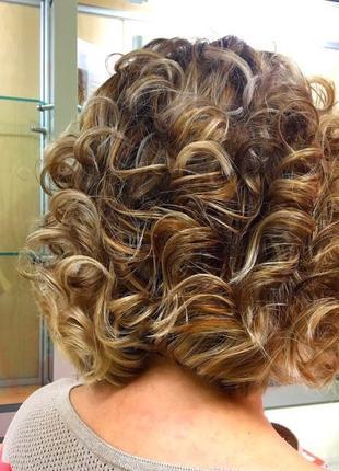 Окрашивание волос любой сложности в салоне красоты на подоле