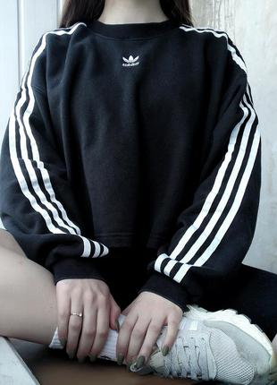 Укороченый свитшот кроп топ adidas