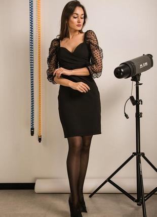Нарядное черное платье с объемными рукавами