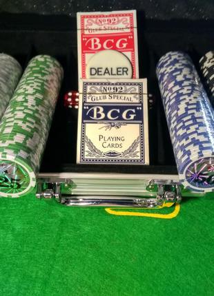 Набор для игры в покер 200 фишек с номиналом и оформлением в к...