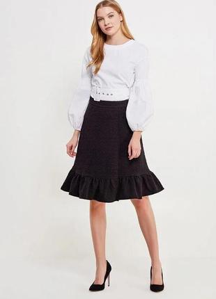 Черная теплая юбка с объемным принтом и рюшем lost ink