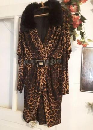 Красивенное платье принт леопард с поясом размер м и л воротни...