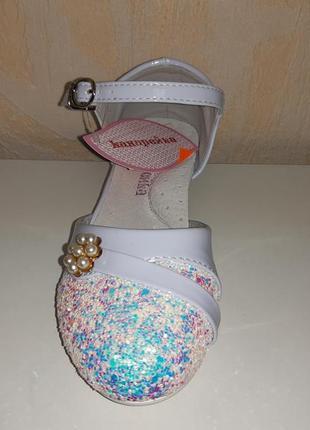 Нарядные туфли на девочку 27-34 р канарейка