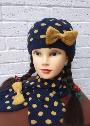 Шапка с шарфиком на возраст 6-7 лет