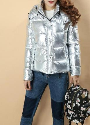 Стильная дутая куртка цвета металлик. куртка пуховик металлик ...