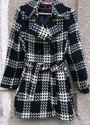 Пальто стильная клетка.