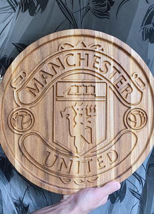 "Логотип ФК ""Манчестер Юнайтед"" из дерева"