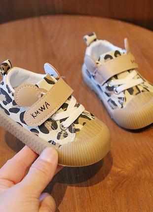 Модные кроссовки кеды для малышек