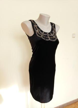 Маленькое черное платье бархатное вечернее