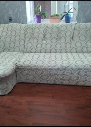 Жаккардовый чехол на угловой диван