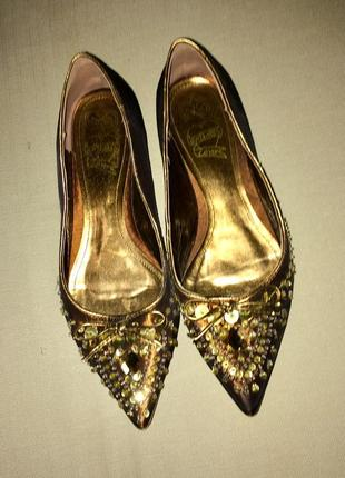 Туфли-лодочки балетки в камнях и паетках без каблука