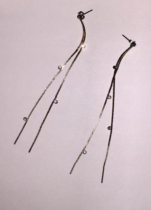 Серьги- гвоздики с цепочками и камушками