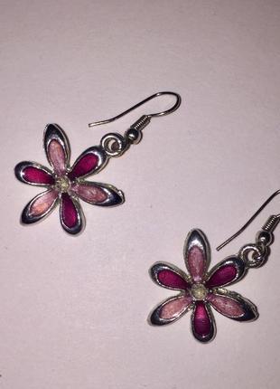 Серьги в серебристо- розовых тонах