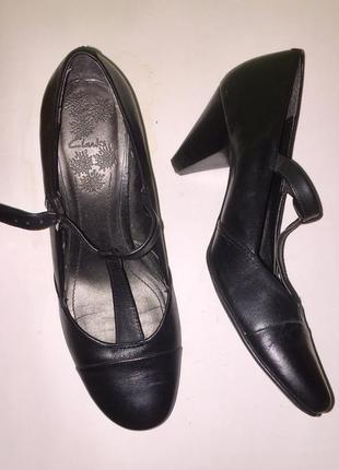 Туфли мэри джейн чёрные на среднем каблуке от clarks